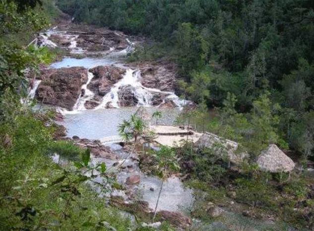 Belize Wasserfall 5 Schwestern