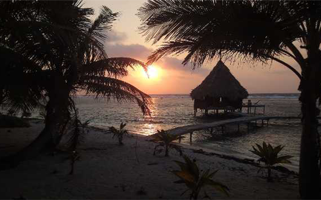 Sonnenuntergang Belize Glovers